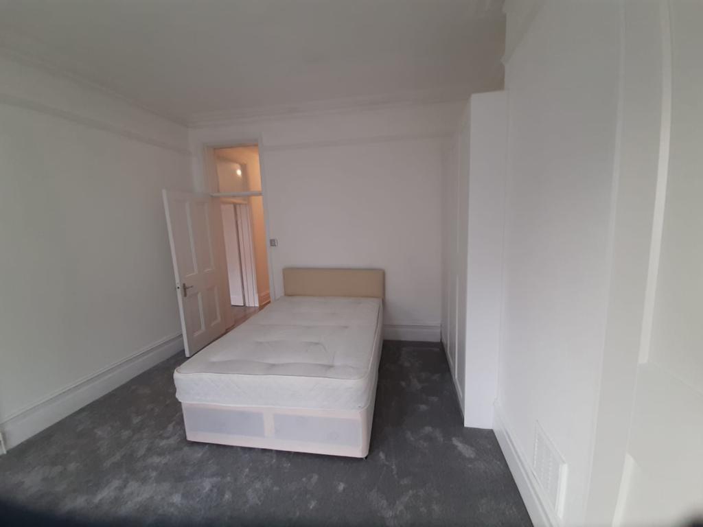 3 Bedroom Luxury Flat in West Hampstead
